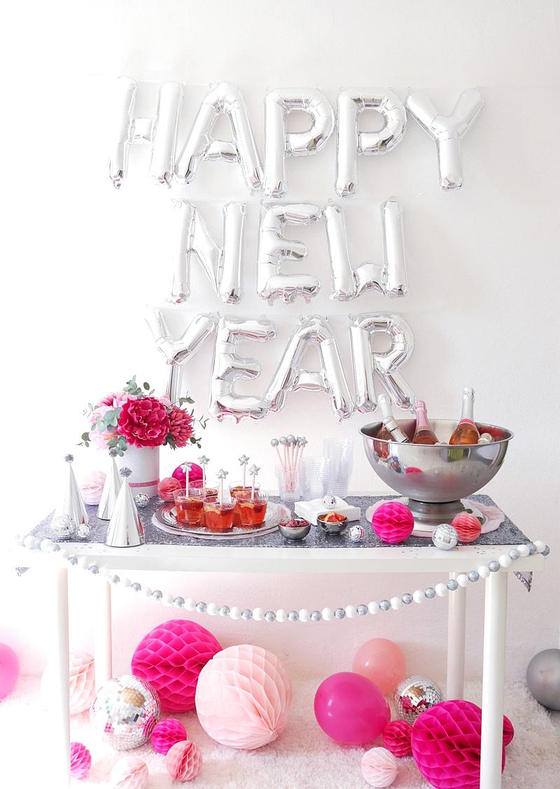 Une Soirée Rose et Argentée pour le Réveillon du Nouvel An