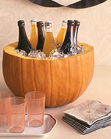 15 pumpkin decor ideas {painted pumkins, carved pumpkins, pumpkin tablescapes}