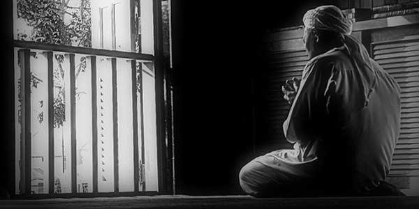 Sering Berdoa dalam Hati? Ini Hukumnya!