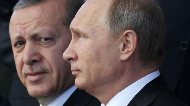 """Putin llama a Erdogan y desea """"retorno a estabilidad"""" en Turquía tras el golpe"""
