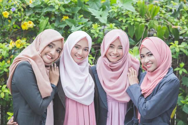 Cara Memakai Hijab Pashmina Simple dan Hits Terbaru
