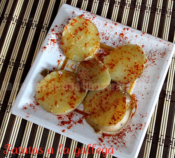 Receta de patatas a la gallega, paso a paso y con fotografías.