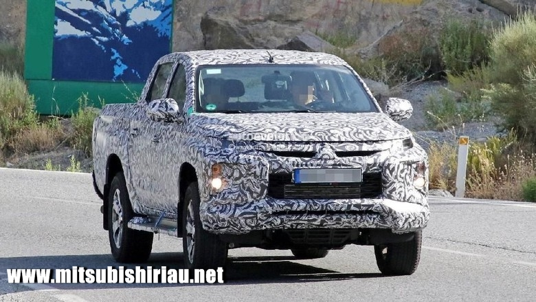 Mitsubishi Triton Facelift 2019 Pekanbaru Riau