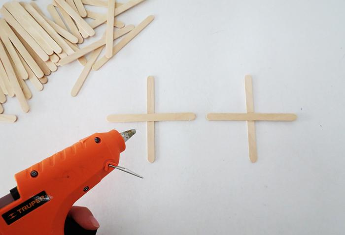 A pop sticks Christmas garland - Ohoh deco