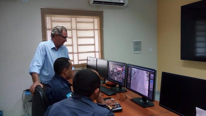 Secretario de Transportes visita instalações do sistema de videomonitoramento de Caxias