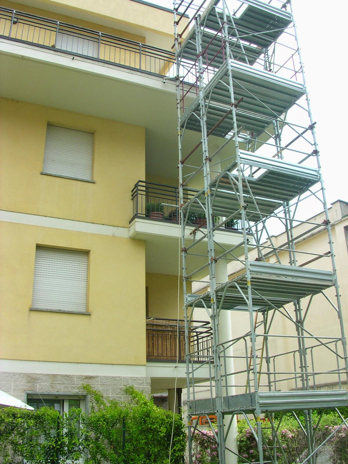 Il costruttore edile: perdite d'acqua su terrazzi e balconi.