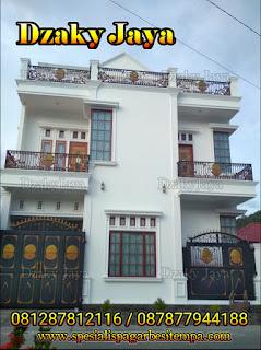 Contoh Pagar Rumah Mewah Klasik dari Besi Tempa