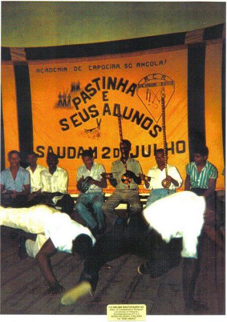 http://velhosmestres.com/en/pastinha-1964.html