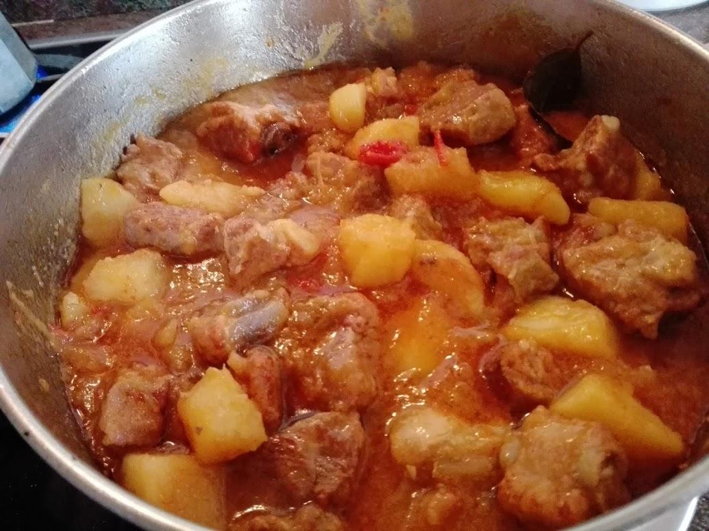 Paprika en la cocina patatas con costilla y butifarra - Tiempo de cocer patatas ...