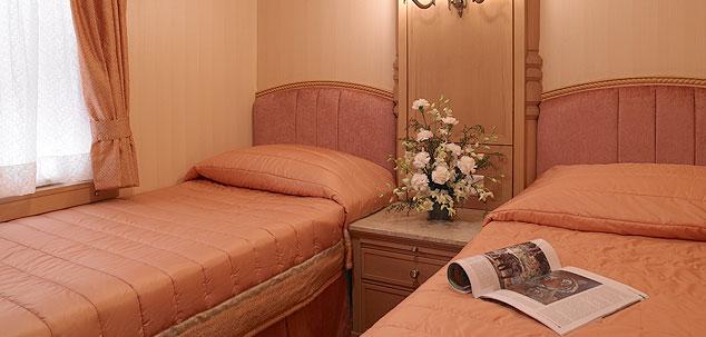 Sleeping cabin of the Golden Chariot