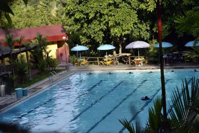 Swimming pool - entrance fee of Php100.00