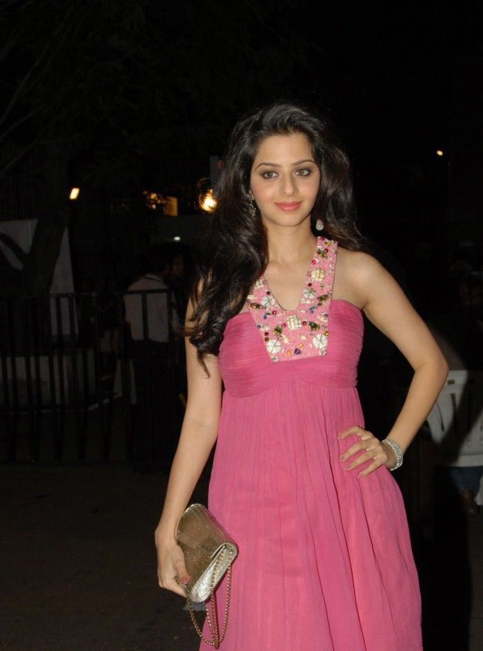 Vedhika Cute Stills At Mirchi Music Awards In Pink Dress