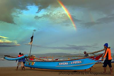Ilustrasi indahnya Pantai Pangandaran.