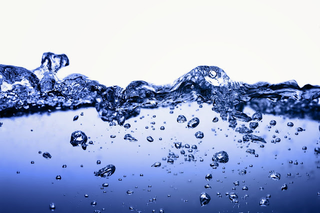 Démaquillage à l'eau micellaire - Blog beauté