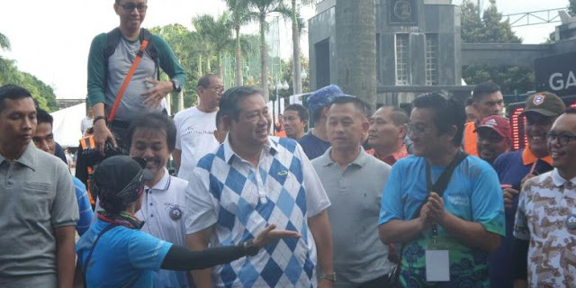 "SBY Hadir Temani Agus Yudhoyono Beraktivitas di ""Car Free Day"""