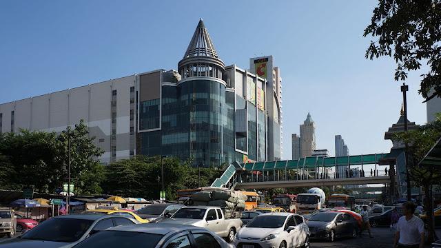Изображение одной из улиц Бангкока