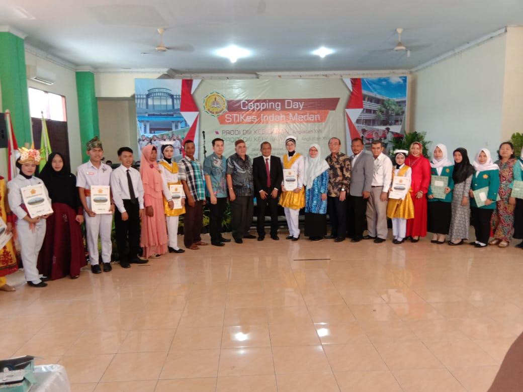 Sekolah Tinggi Ilmu Kesehatan (STIKes) Indah Medan menggelar capping day