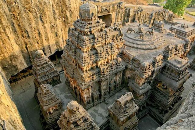El inmenso templo es toda una hazaña inexplicable
