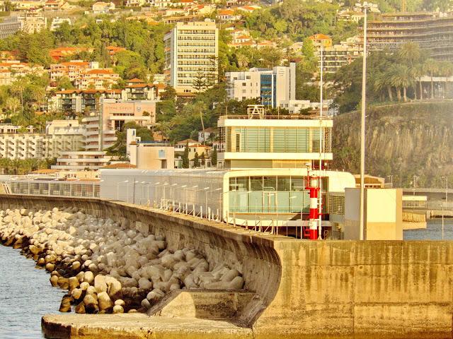 o lado B do Porto do Funchal