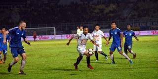 Laga Amal Arema FC vs Madura United