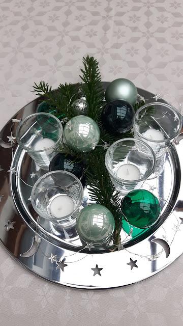 Tischdekoration an Weihnachten