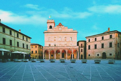 plaza de montefalco