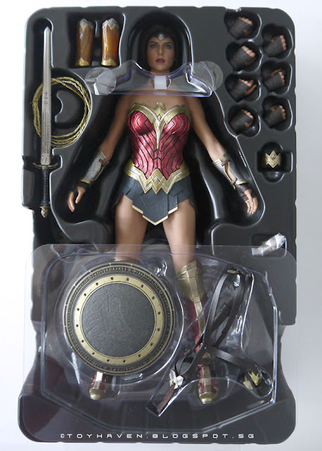 osw.zone Hot Toys Batman v Superman: Twilight of Justice 1 / 6th Wonder Woman Collectible Figure Review