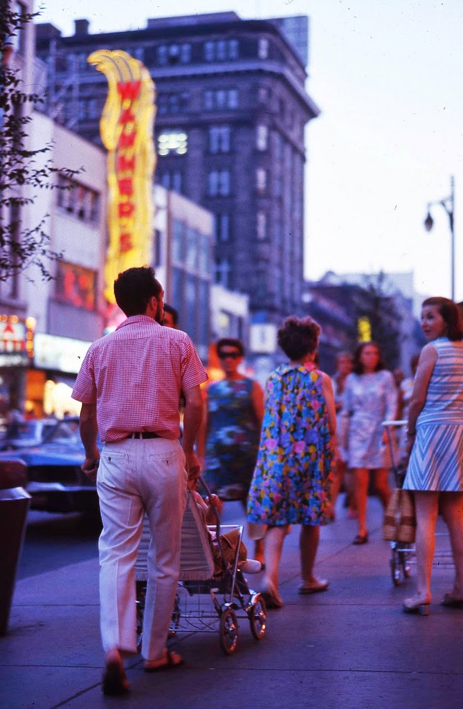 1925 Rolls Royce Phantom >> Wonderful Color Photos of Street Scenes of Montreal, Canada in the 1960s ~ vintage everyday