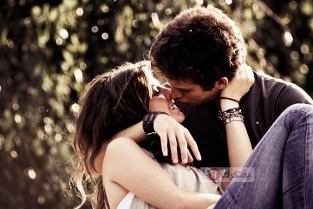 صور بوس حب و صور احضان رومانسيه 2018 اجمل صور قبلات ساخنة