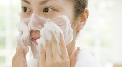 cara memutihkan kulit wajah alami tanpa perawatan mahal