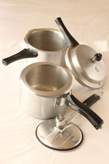 pressure cooker with different style lids