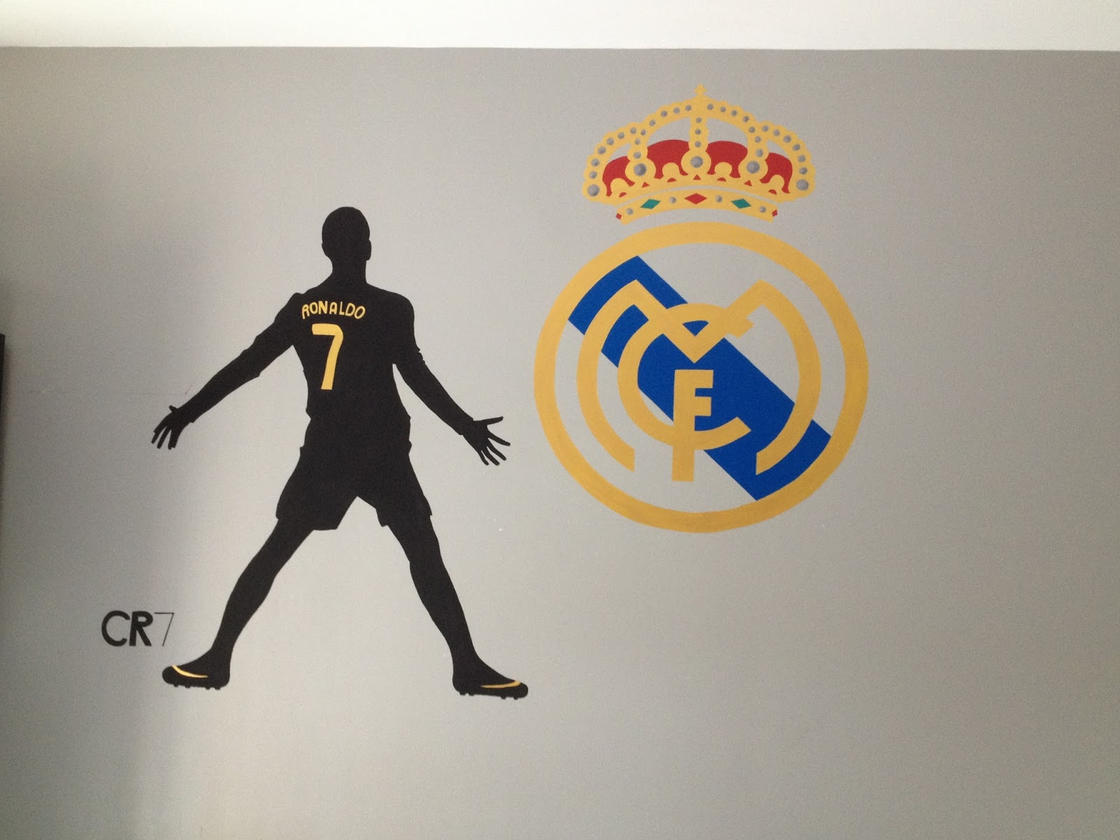 Lulu berlu chambre gar on th me real madrid for Decoration chambre real madrid