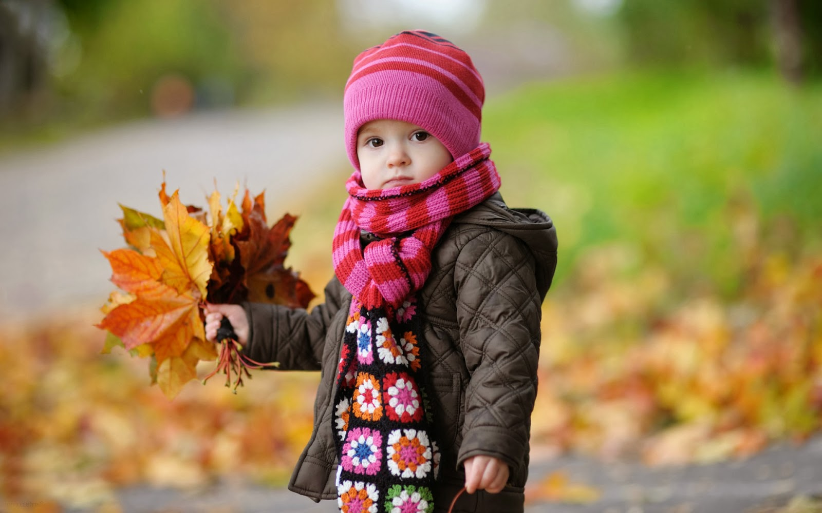 Cute And Sweet Baby Wallpapers Photos And Images Download