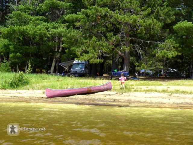 Einige der Campsites liegen direkt am Wasser