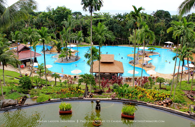 The swimming pool at Bintan Lagoon Resort