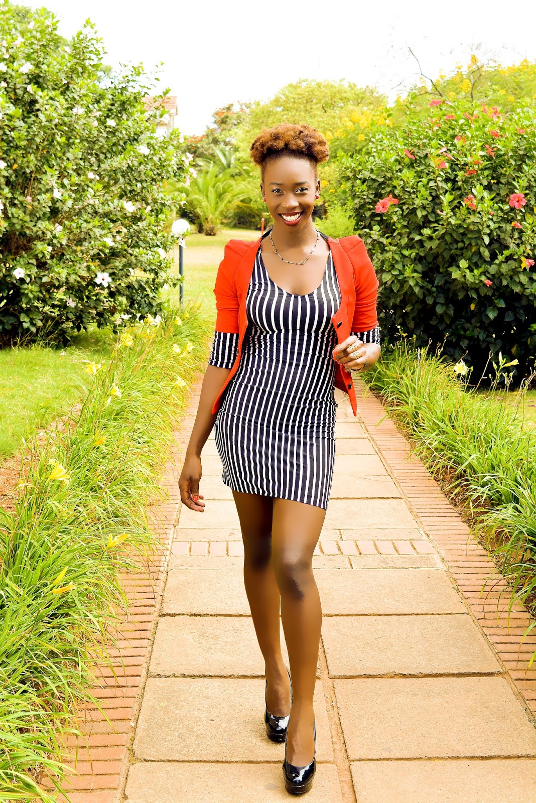 natural hair, type 4c hair, kinky hair, dyed natural hair,natural hair, kenyan fashion blogger, african fashion blogger, fashion blogger kenya, style with ezil, twa hairstyles, how to style my twa, what to do with my type 4c hair, pink dress, bodycon dress, how to style a bodycon dress, verticall stripped mini, red coat on vertical striped dress, how to wear a stripped dress, vertical stripped dress