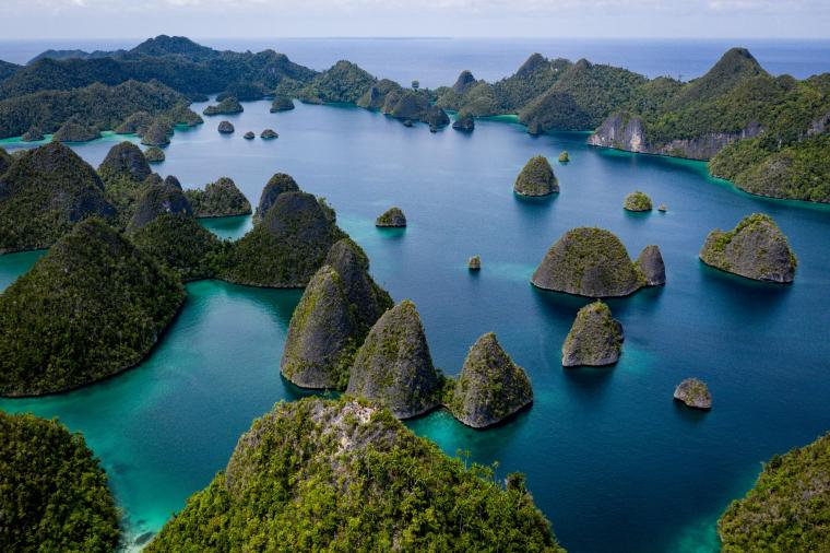 Spot Wisata Paling Iconic di Papua Barat