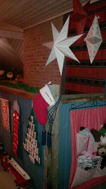 joulu paperitähdet portaikko