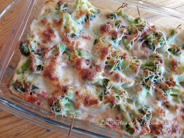 Brócoli con beicon y queso al horno