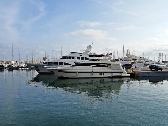 marina jachty Alicante port Hiszpania