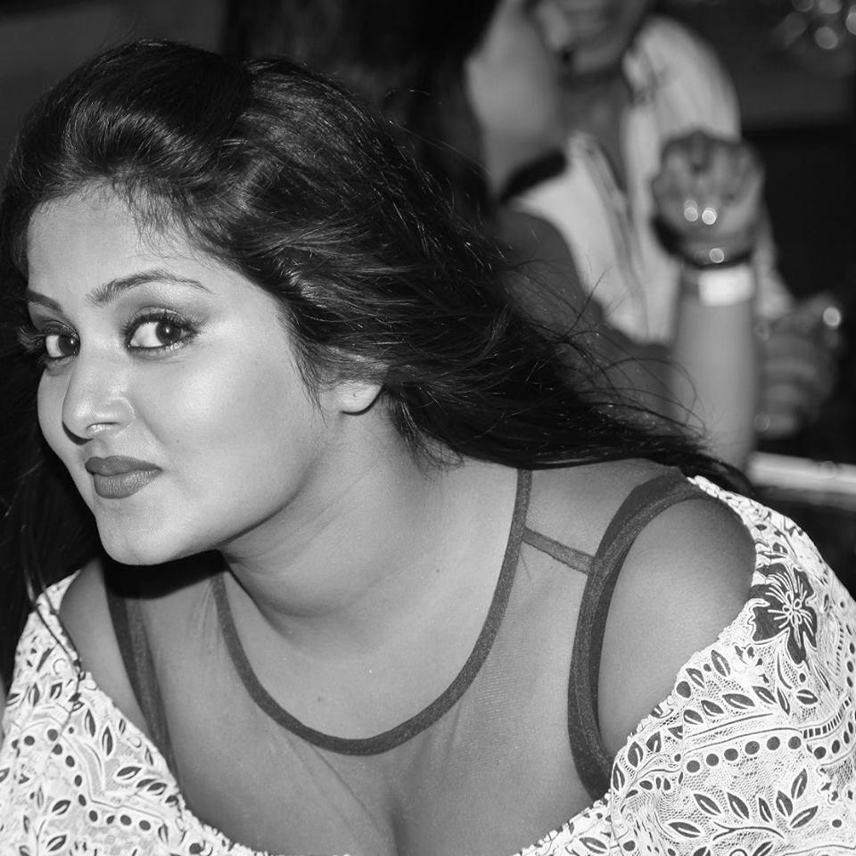 Sexy Bhabhi Ki Nangi Photo