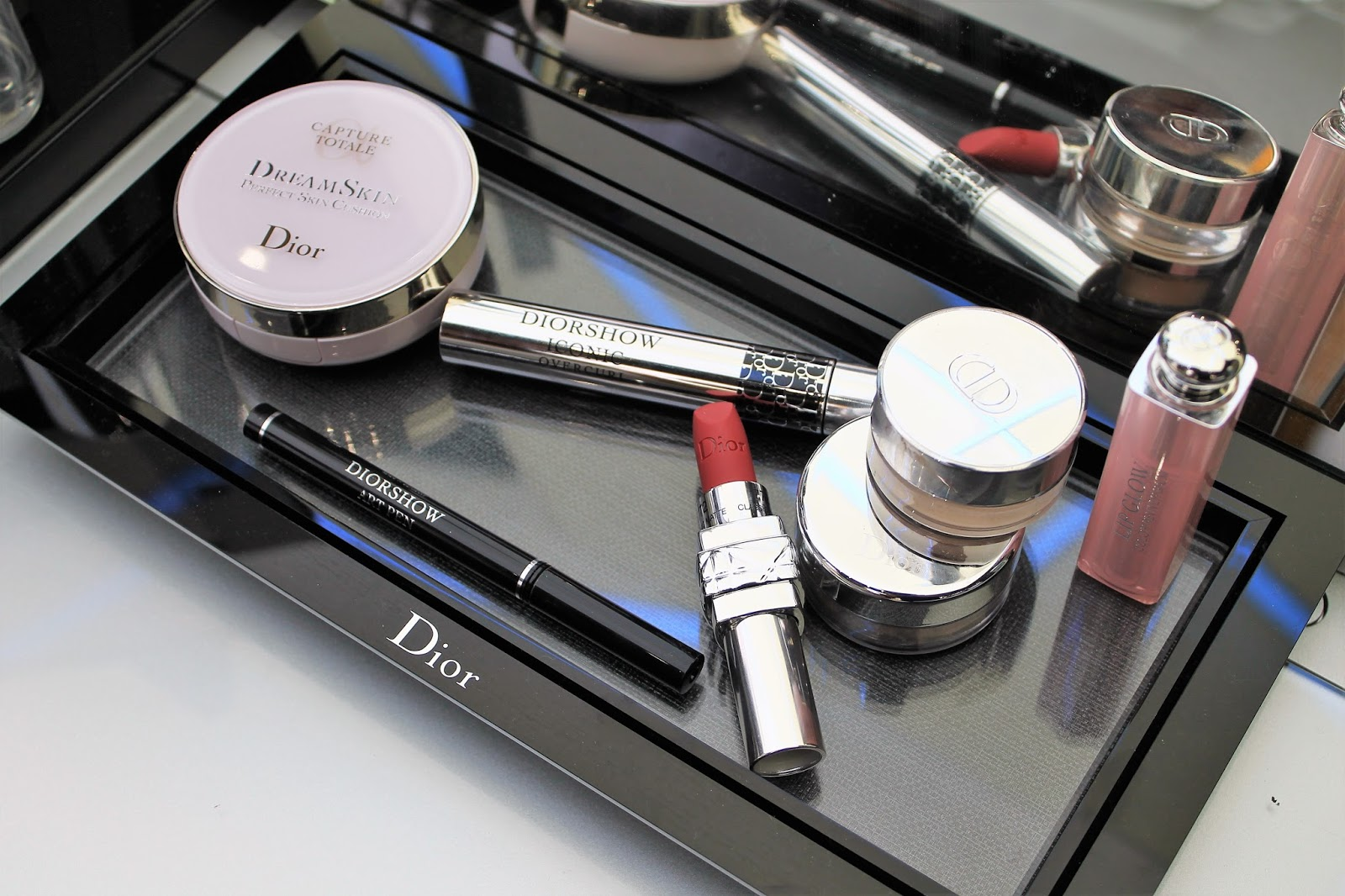 Dior makeup make up maquillage leçon parly 2 cours ambassadeurParly2 boutique nouvelle inauguration corner shop particulière mua muaddict dreamskin cushion rosy glow mascara diorshow overcurl mise en beauté soin le chesnay les gommettes de melo gommette collection privée backstages diorshow