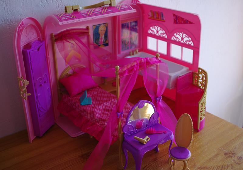look good shoes sale new collection outlet for sale Camomille & pâquerettes: Chambre de Barbie apprentie princesse