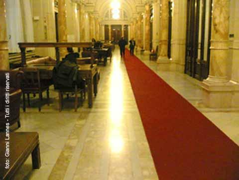 Su la testa gennaio 2012 for Numero deputati italiani