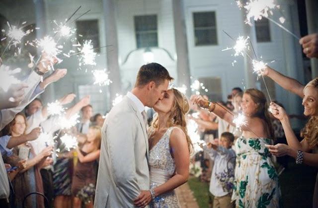 """Salida diferente después de daros el """"sí, quiero"""" - Foto: www.socialandpersonalweddings.ie"""