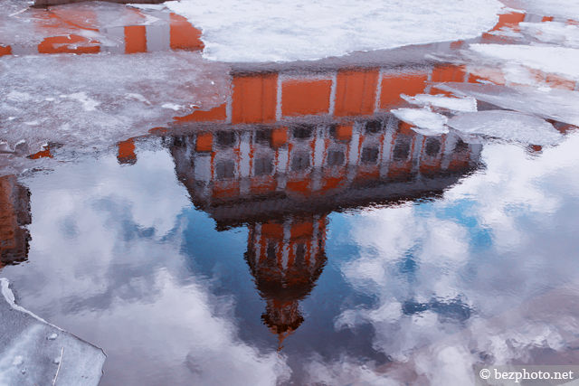 отражение в луже фото