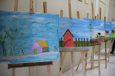 CRAS Central de Registro-SP desenvolve lado artístico de usuárias com oficina de pintura em tela