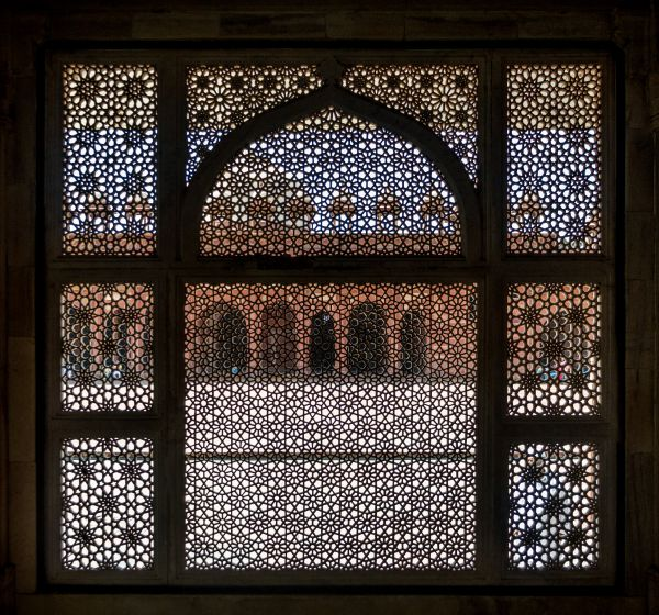 A latticed screen at the outer periphery of Salim Chishti's Dargah