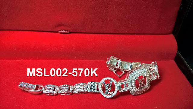 trangsuc.top - Lắc Tay Louis Vuitton Đính Đá Trắng Cao Cấp MSL002 - Giá: 570,000 VNĐ - Liên hệ mua hàng: 0906846366(Mr.Giang)
