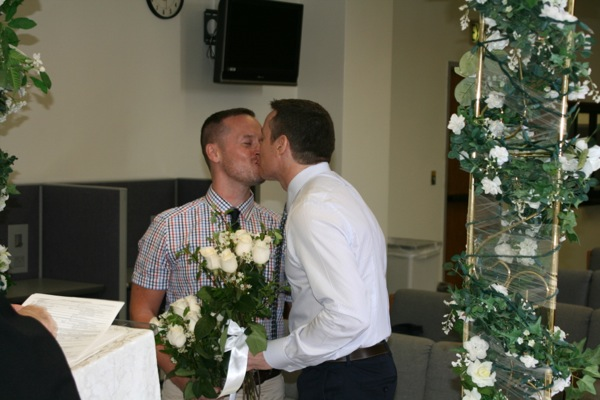 Wedding Day gay kiss
